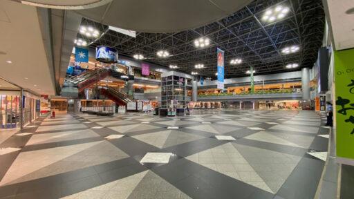 夜の空港内1